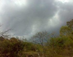 Kiša povremeno, lokalno pljusak i grmljavina