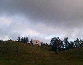 Promjenljivo oblačno, krajem dana kiša