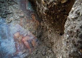 Arheolozi u Pompeji pronašli fresku Narcisa