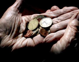 Siromaštvo: makroekonomsko pitanje ili administrativni problem?