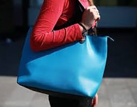 Žene, ne nosite teške torbe