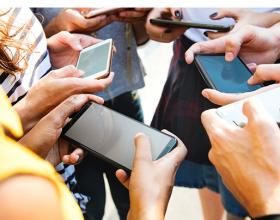 Zavisnost od pametnih telefona