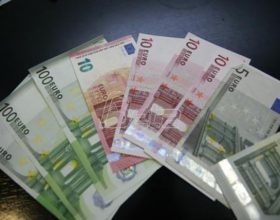 MONSTAT: Prosječna zarada u martu 526 eura