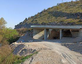 Grade vijadukt, zatrpavaju šutom izletište na Zeti