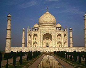 Oluje oštetile Tadž Mahal (video)