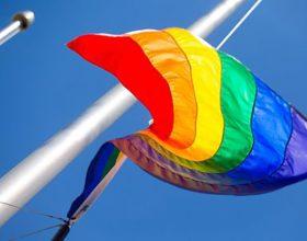 Francuska legalizuje vantjelesnu oplodnju za lezbejke i žene bez partnera