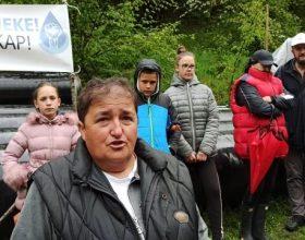 Bare Kraljske: Pozivaju ministre, optužuju službenike (video)
