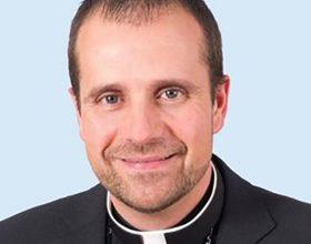 Biskup se zaljubio u autorku erotskih romana